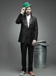 Pau Donés con su nueva indumentaria: frac y bambas de colores diferentes